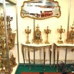 Консольные столики, зеркала, часы, канделябры
