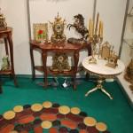 Консольный столик и предметы интерьера